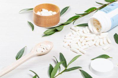 صورة حقائق حول تناول الفيتامينات للوقاية والتعافي من كوفيد-19